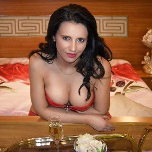 NymphoQueen4U from livejasmin