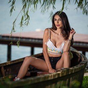 TaniaLovin from livejasmin