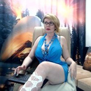 IvettaShine from bongacams