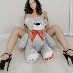 KittenQueen71 from bongacams