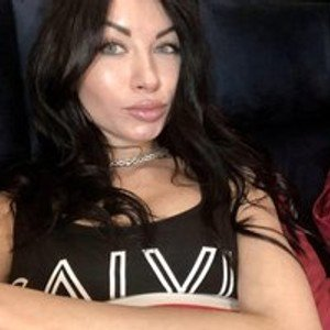 LuckyViky from bongacams