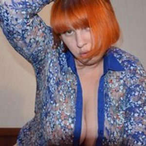 Red-Mother from bongacams