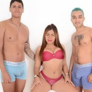 SashaAndBoys from bongacams