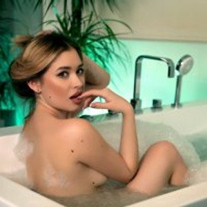 TheaDom from bongacams