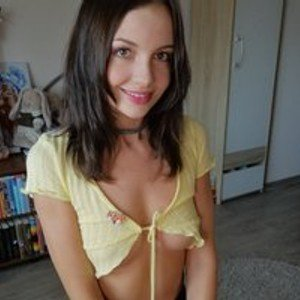 aliskacomely from bongacams