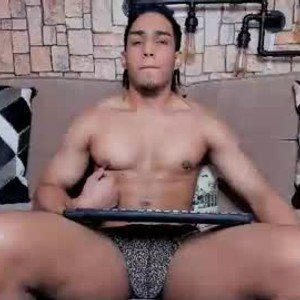 bruceroldan from chaturbate