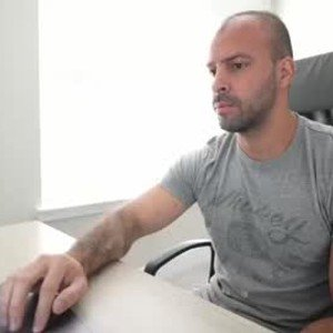 brucestryker from chaturbate