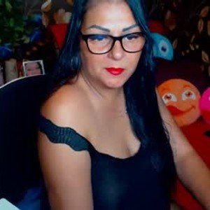 ladycrissyx from chaturbate