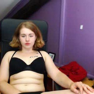 lillydelicious from chaturbate