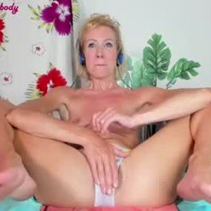 lola1981 from chaturbate