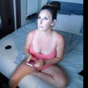 loosey_in_the_skye from chaturbate