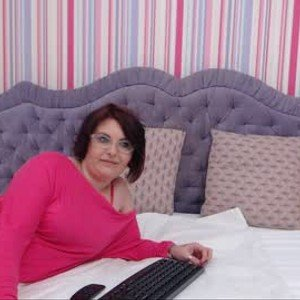 lovely_leona from chaturbate