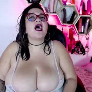 lulubigtitts from chaturbate
