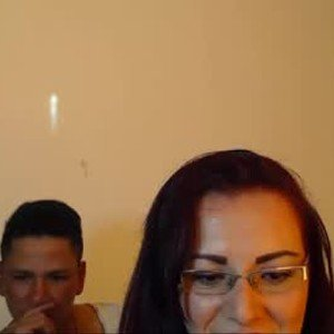 mia_k_and_robin from chaturbate