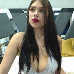 nathaly_diaz from chaturbate