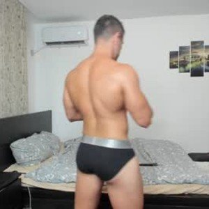 roberto4ever from chaturbate