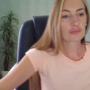seduced_vikki from chaturbate