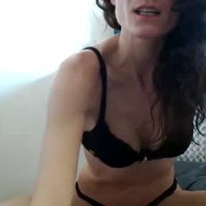 sweetmomentwithme from chaturbate