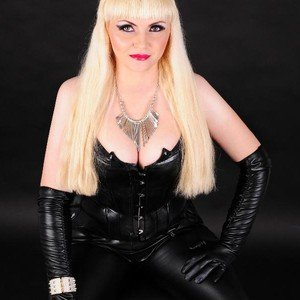 MistressDesiree from imlive