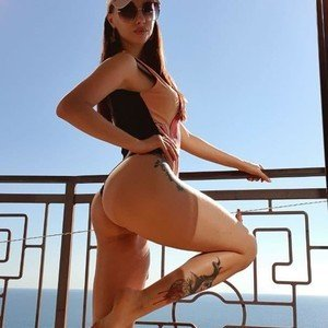 Hot_Mellana from myfreecams