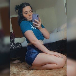 LittleDesire5 from myfreecams