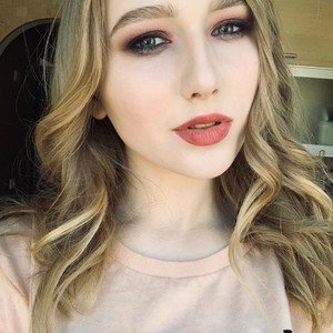 MissLily18 from myfreecams