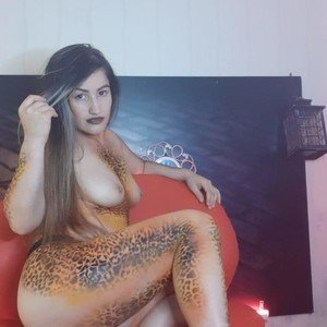 Moniquefuente from myfreecams
