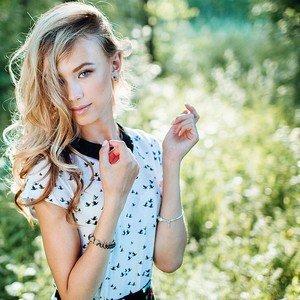 Larisa_Poll