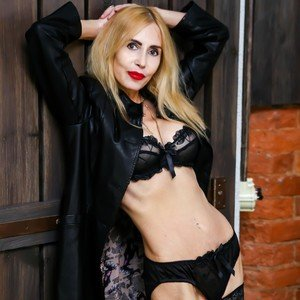 Blondy_Pussy from myfreecams
