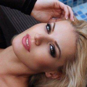 BlondieStarX from streamate