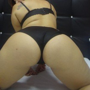 Samanthaa19 from streamate