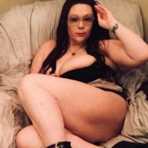 CurvyCountry from stripchat